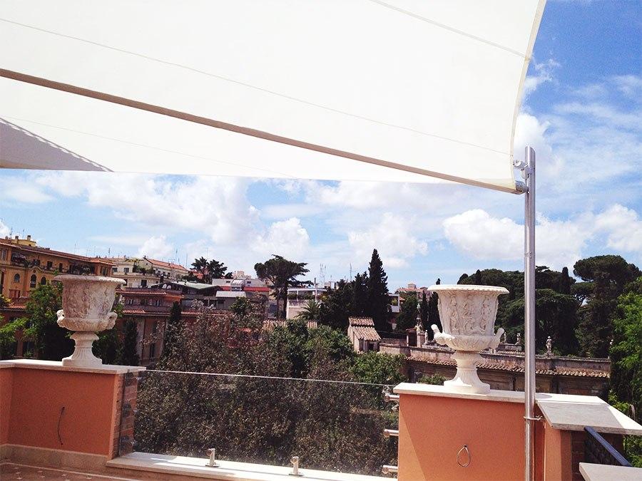 vela motorizzata per terrazzo aperta